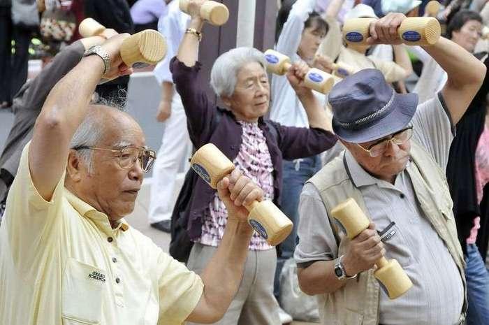 Японцы будут работать до ста лет.