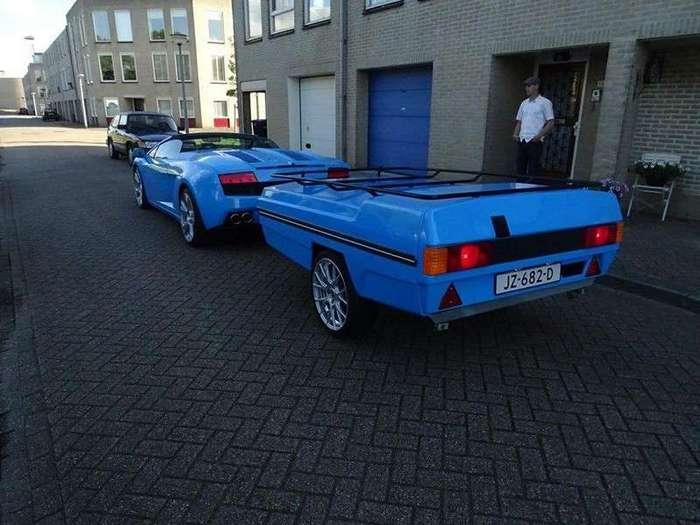 Lamborghini с прицепом в Нидерландах