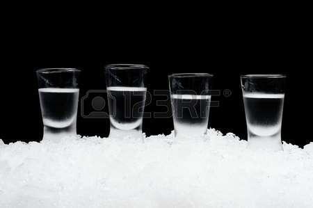 Американца отправили за решетку за то, что он разрешил малолетней дочери выпить 17 рюмок водки