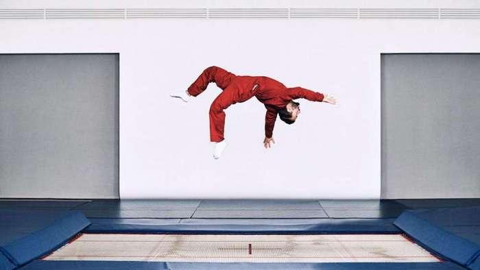 Вот как выжить при падении со смертельно опасной высоты. Это может спасти вам жизнь!