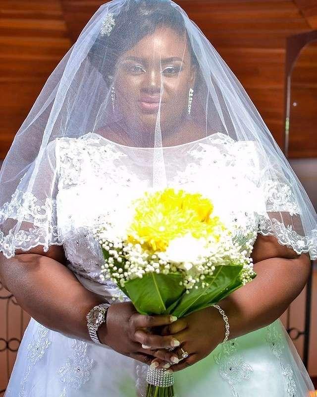 Всего одной фразой эта толстушка ответила всем, кто высмеивал ее свадебные фото