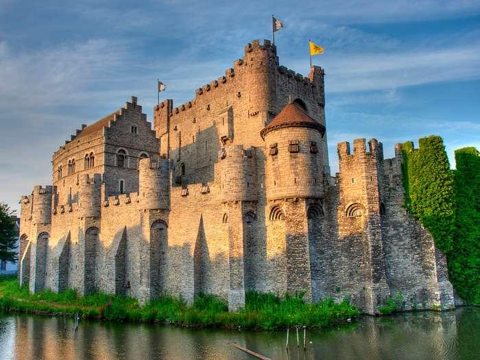 Как штурмовать замок: инструкция для начинающего завоевателя