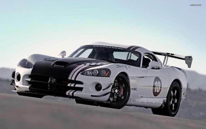 Самые уникальные модификации Dodge Viper