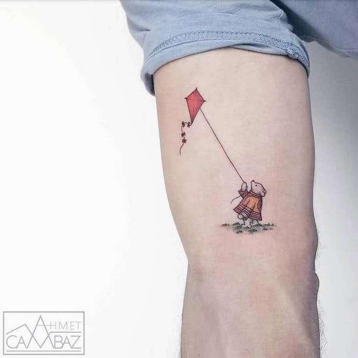 Бывший карикатурист создает крошечные и бесконечно милые татуировки