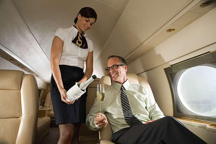 Что происходит на борту частных самолетов. Откровения стюардесс