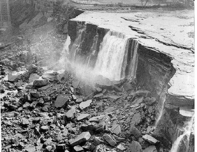 Однажды Ниагарский водопад перестал падать.