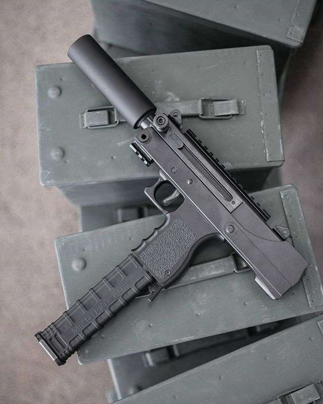 Шикарные пистолеты стран мира