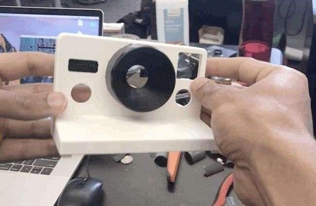 Парень создал камеру, -печатающую- гифки вместо фотографий