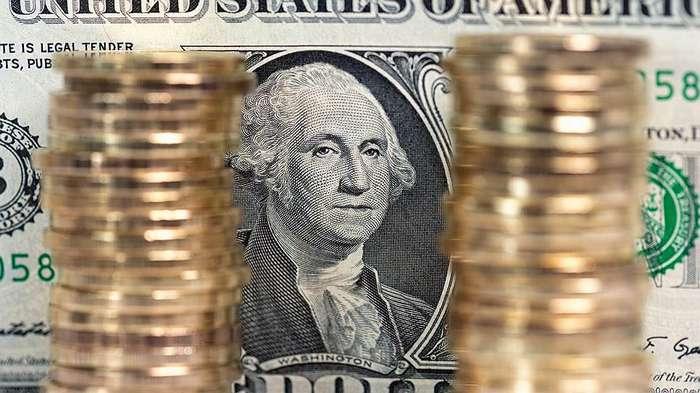 Америка снова ставит на рубль