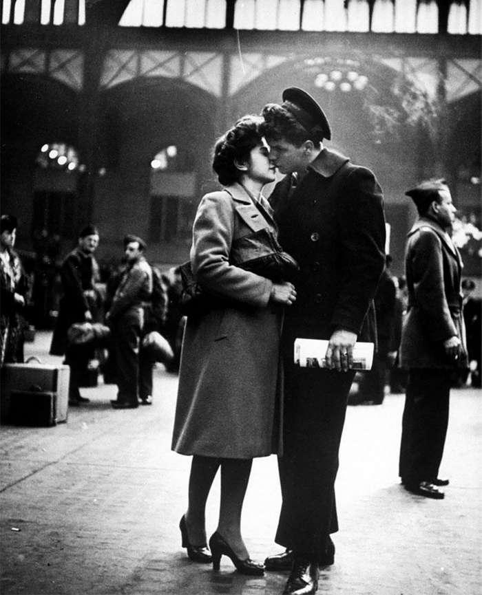 Трогательные фото. Любовь во время войны.