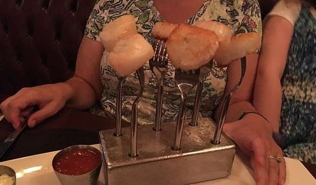 Такая сервировка любому испортит аппетит!
