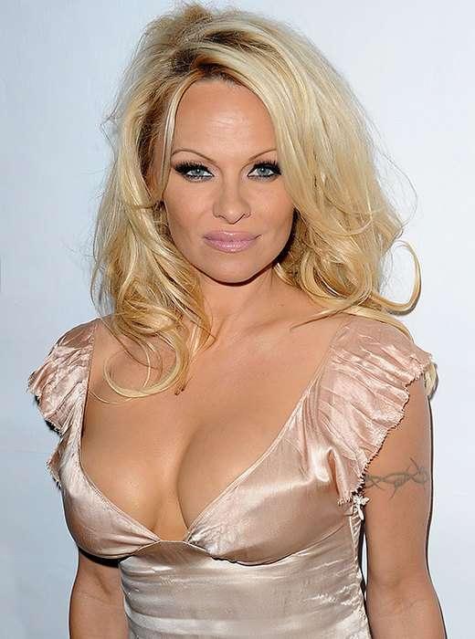 Попа Ким, губы Джоли и брови Кары: бьюти-тренды, которые задали звезды