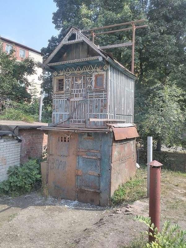 Показалось: дома и сооружения, у которых есть лица