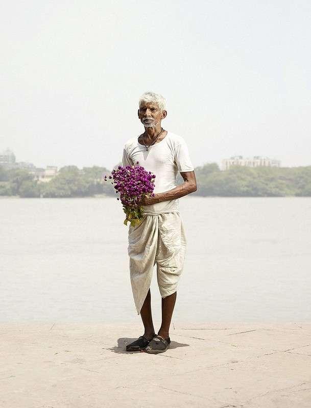 Колоритные продавцы крупнейшего цветочного рынка Азии