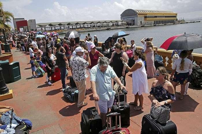 Билет в один конец: тысячи пуэрториканцев уезжают в США