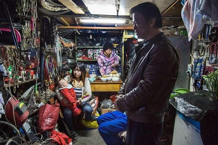 Китайци, которые живут там же, где и работают