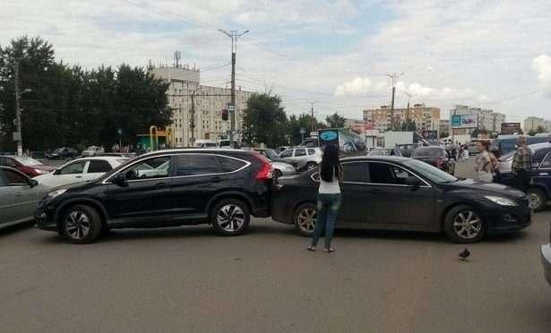 Женщинам за рулём посвящается