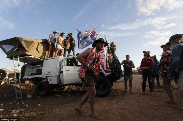 Как фестивалит австралийская деревенщина