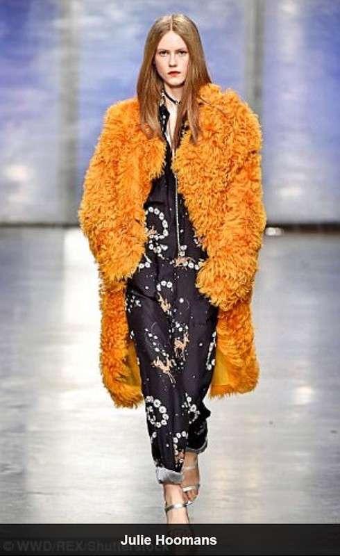 Новый тренд высокой моды - плюшевые шубы