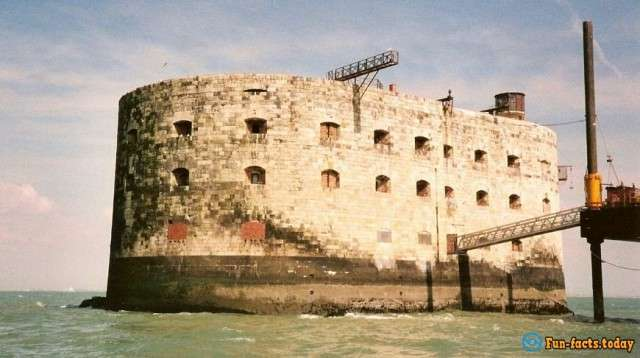 Остров сокровищ: занимательные факты и история форта Бойяр