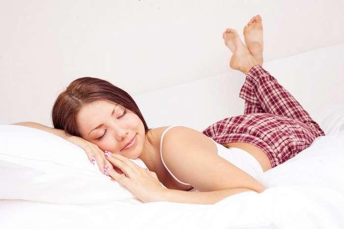 Ученые: для сохранения молодости кожи нужно спать на шелковых подушках