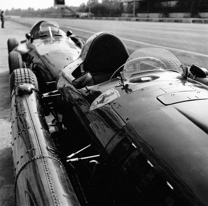 -Нынешним пилотам такого поступка не понять-: лучшая гонка в истории -Формулы-1-