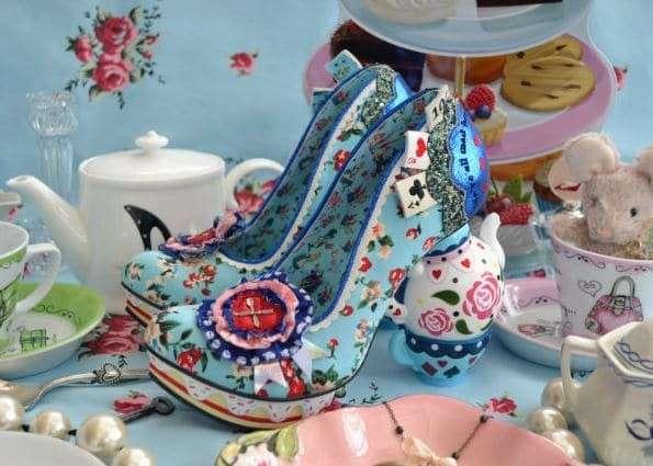 Коллекция обуви по мотивам -Алисы в Стране чудес-