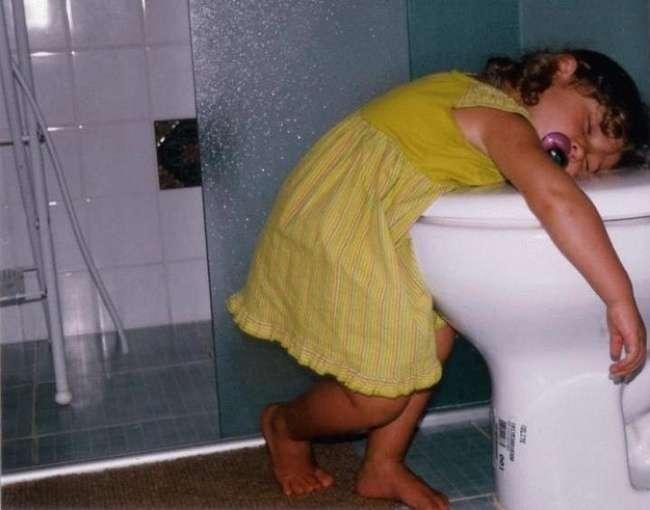 25 фото малышей, которые точно знают, как рассмешить тебя без слов.