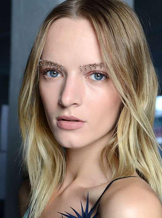 5 бьюти-трендов, которые, по мнению мужчин, уродуют внешность девушек