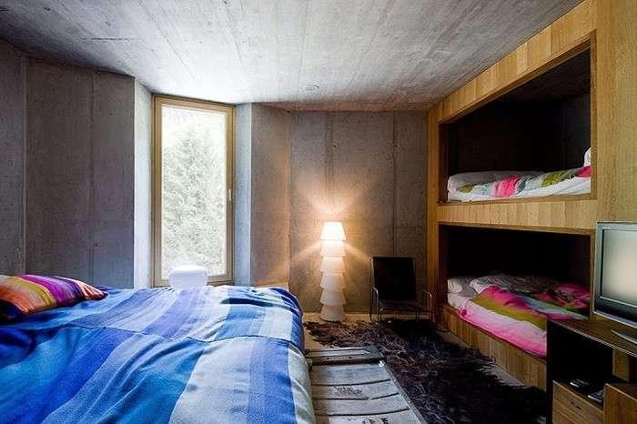 В швейцарских Альпах построили необычную виллу внутри склона горы