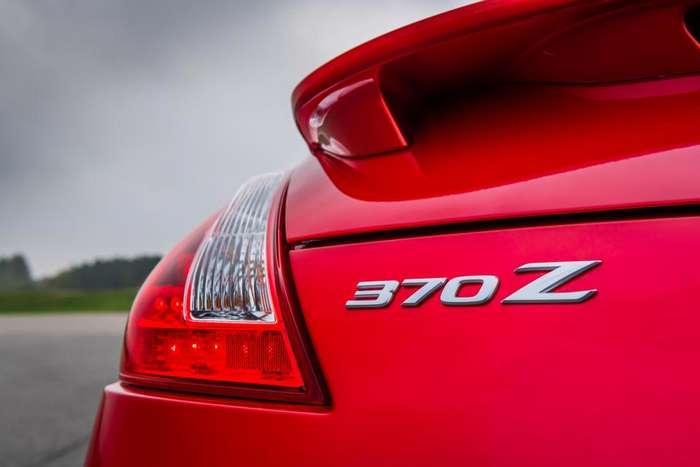 Обзор Nissan 370Z: почти 10 лет с момента захвата рынка спортивным автомобилем и забытая модель только что была обновлена