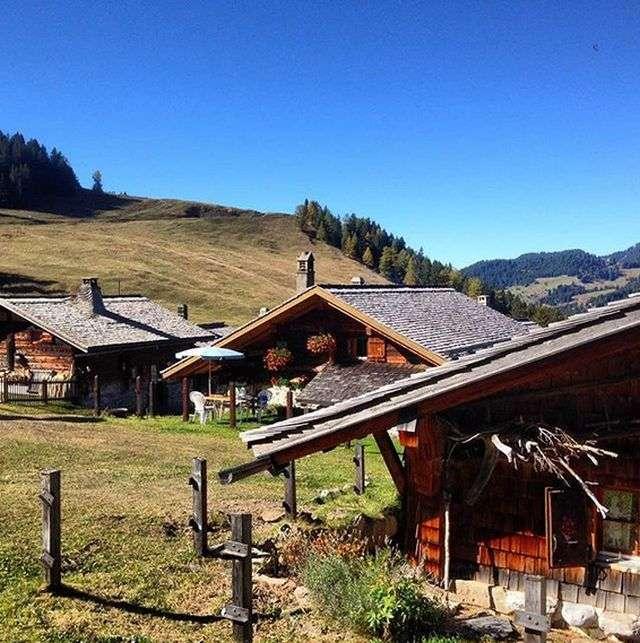 Тавеян - швейцарская деревня, в которой все осталось таким, каким было 100 лет назад