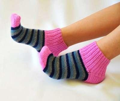 Ученые рассказали о пользе сна в носках