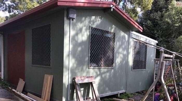 Женщина самостоятельно построила дом себе и детям после того, как ее выгнал муж