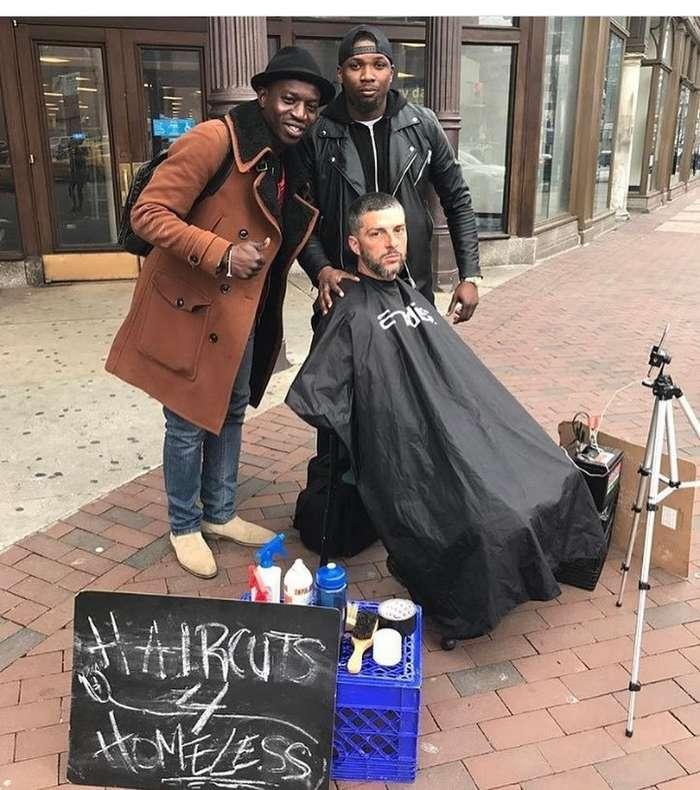 Незнакомец подарил парикмахеру-благодетелю новый барбершоп