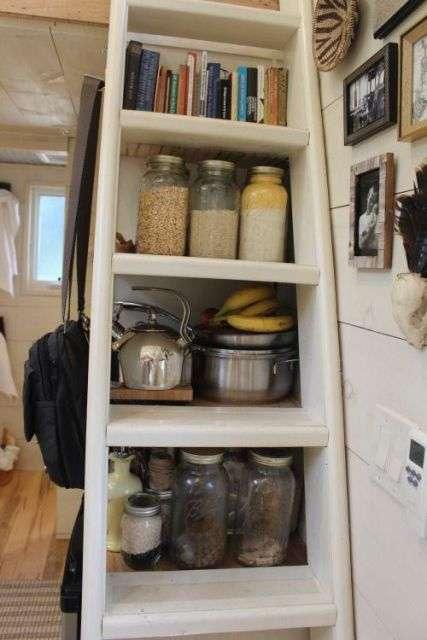 Миниатюрный домик, в котором есть все, что необходимо для жизни