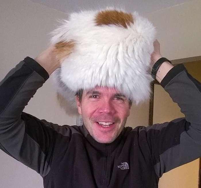 Интернет захлестнула волна живых меховых -шапок-