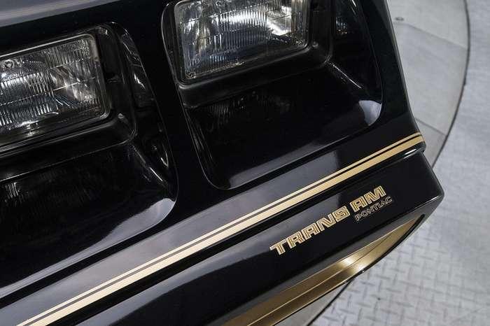 Абсолютно новый Pontiac Firebird Trans Am SE 1979 с невероятной историей
