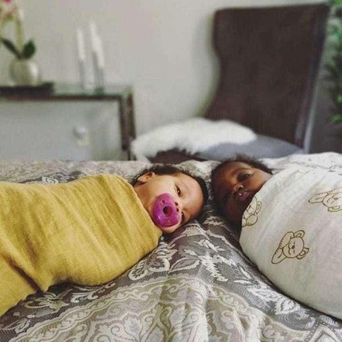 Двойняшки с разным цветом кожи покорили Инстаграм
