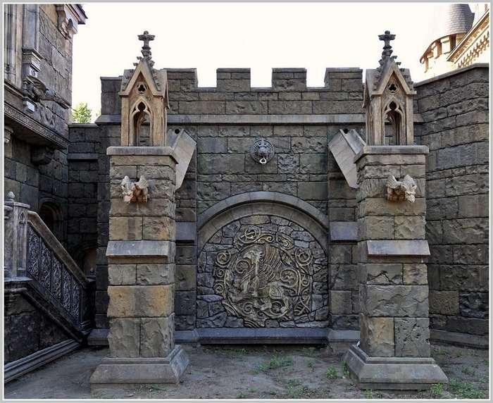 Замок -Гарибальди- в селе Хрящевка