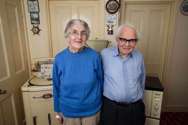 Пожилая пара из Великобритании выставила на продажу бытовую технику 1950-х годов