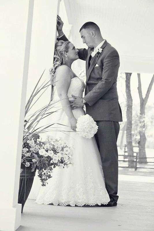 Влюбленная пара поженилась спустя 22 года после знакомства
