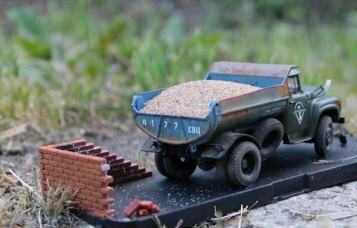Шикарные автомобильные диорамы с грузовиками и автобусами