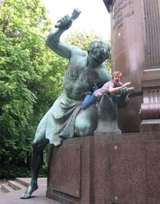 Когда ты знаешь как правильно фотографироваться с памятниками