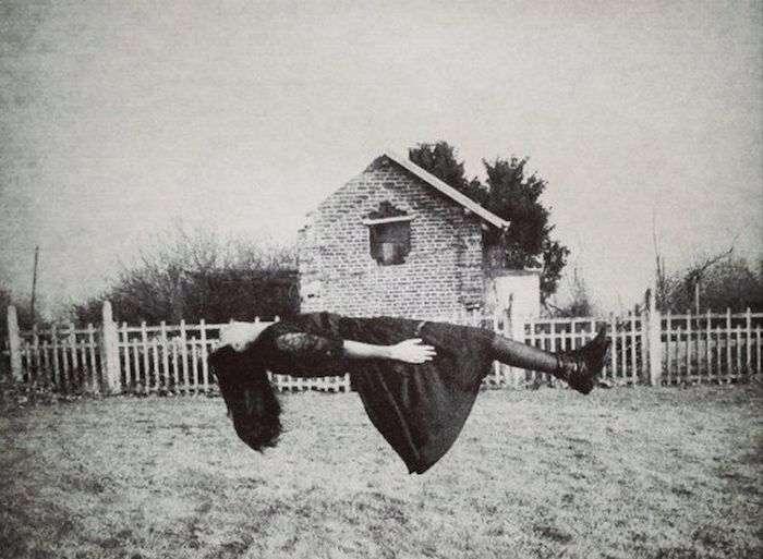 Жуткие черно-белые фото