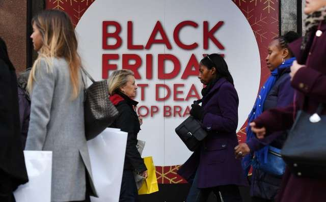 Дурдом, который творится в -черную пятницу- в Америке и Великобритании