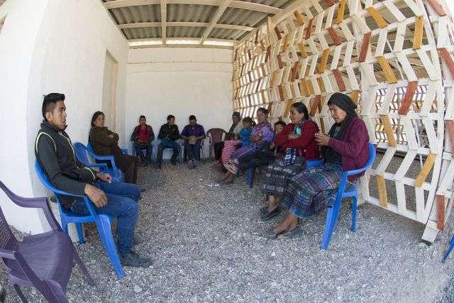 Как обычный человек стал Богом для сельских жителей Гватемалы