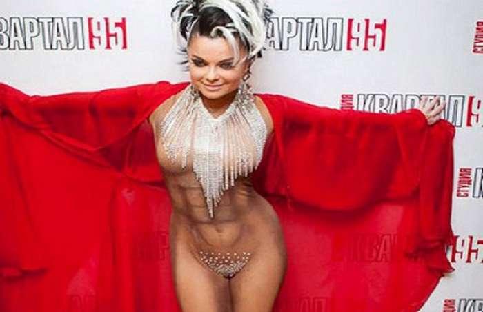10 самых неудачных нарядов российских знаменитостей