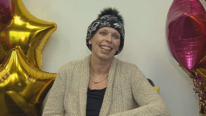 Женщина выиграла в лотерею и узнала, что рак груди отступает