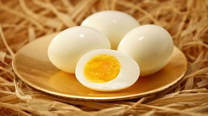 Сколько времени можно хранить яйца в холодильнике